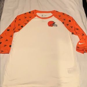 Nike Cleveland Browns large tee shirt
